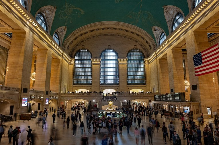 1080px-Grand_Central_Terminal_ceiling_view